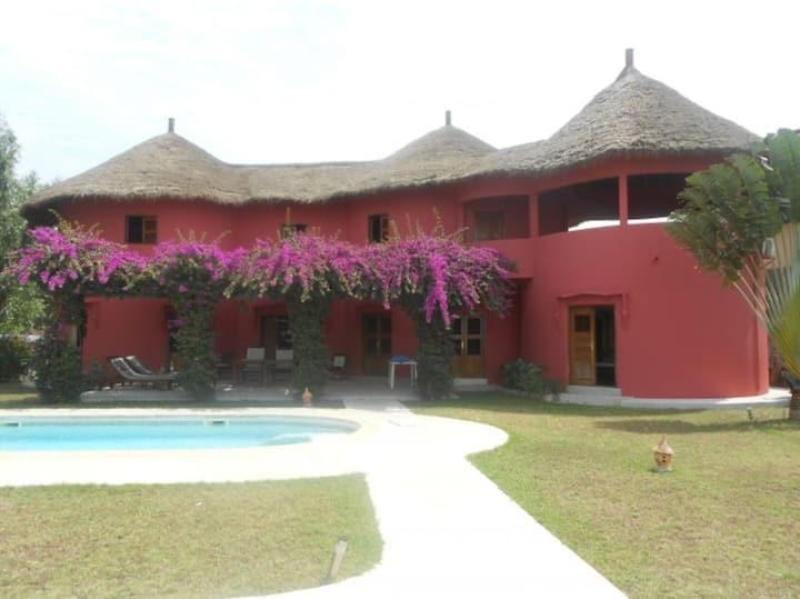 Cap Skirring: grande villa,vue mer,plage,piscine