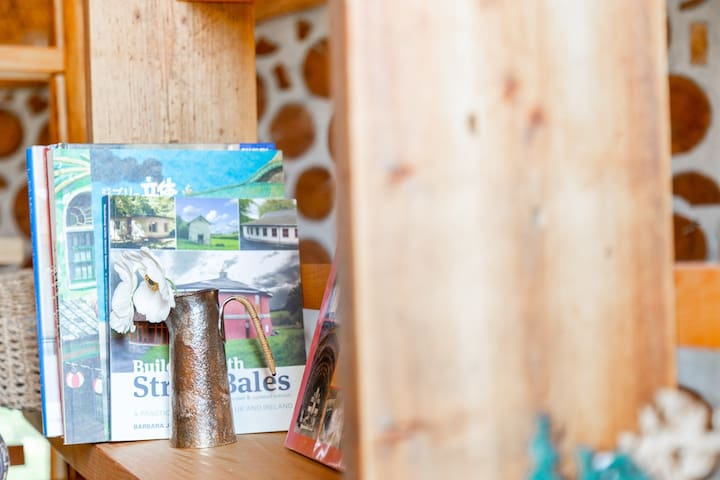 Bookshelf of the loft.  ロフトの本棚