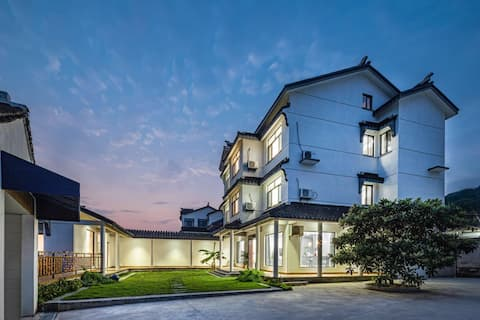 • Garden resort villa/pool lawn/barbecue/ktv/billiard/mahjong/home theater/table tennis/conference group building/Suzhou Taihu West Mountain Island