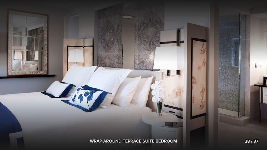 Wrap Around Terrace Suite (Cosmopolitan) Las Vegas - Condominiums ...