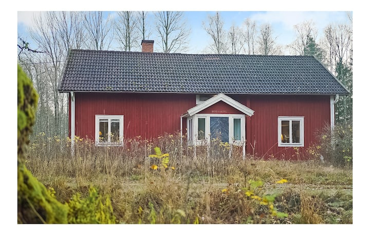 Beautiful apartment in Eriksmåla with 4 Bedrooms