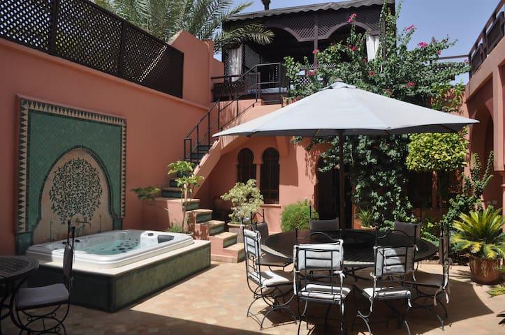 Moderne villa 4 chambres palmeraie