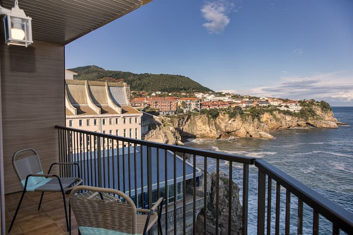 Sea Coast Lekeitio by homebilbao