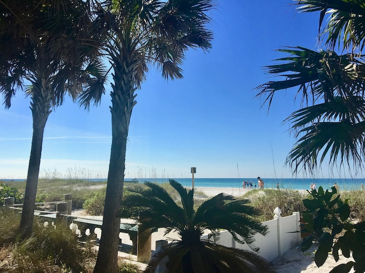 Beach Dreams Resort  AnnaMariaisland  Sweet dreams
