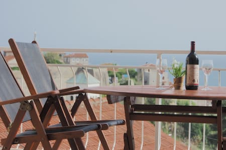 Spacious and Cozy Apartment + SeaView Terrace