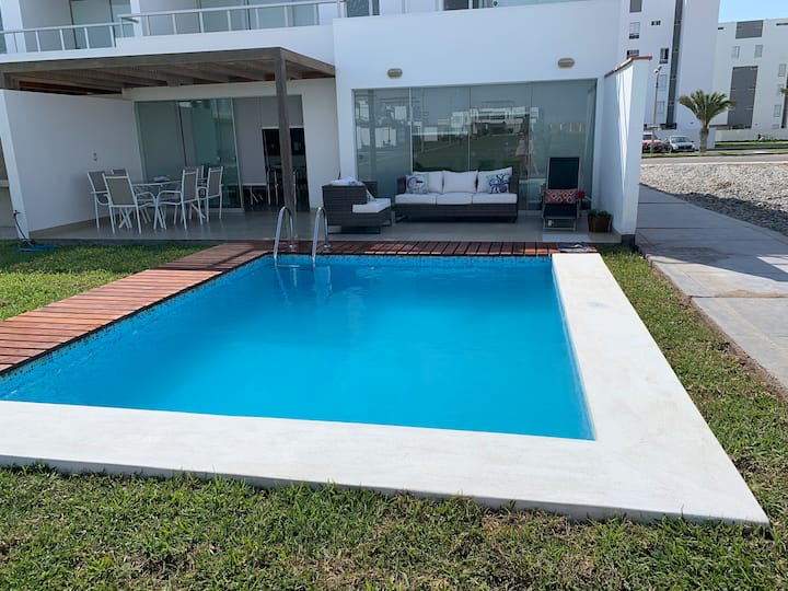 Linda casa c/piscina en Paracas c/playa privada