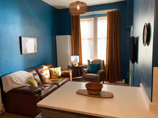 Retro-Inspired Flat in Glasgow's West End