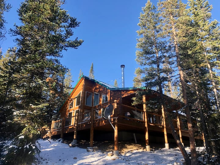 !!!NEW!!! Private Mountain Retreat w/ HOT TUB!