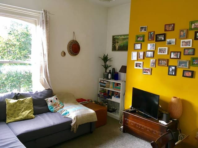 Our Brixton home, double bedroom, 5min from tube