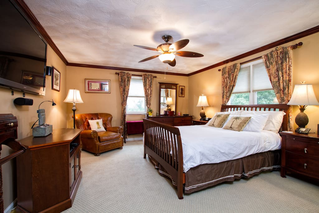 Argonaut cottage 3 bed 2 5 bath houses for rent in for Rhode island bath house