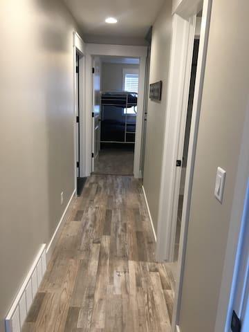 Hallway to bathroom & 2nd bedroom