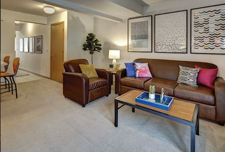 2 private bedroom vacant in a 4 bedroom apartment