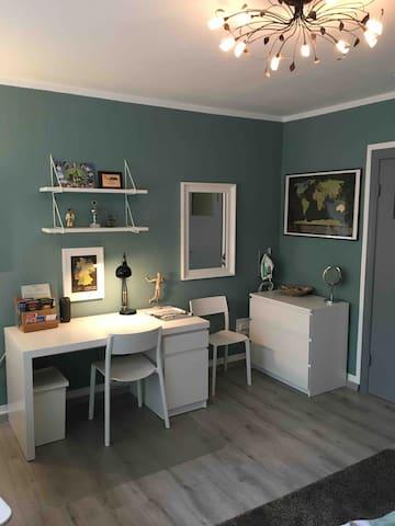 Gemütliches Gästezimmer in meinem Haus in Hamburg