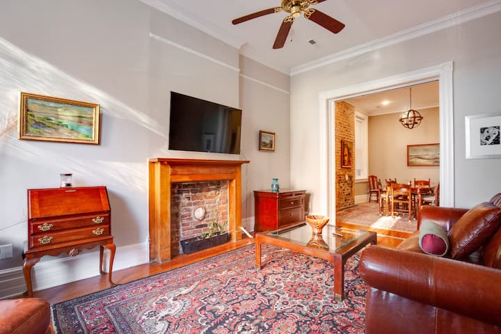 HUGE, Pet-Friendly and Gorgeous Historic Row-house