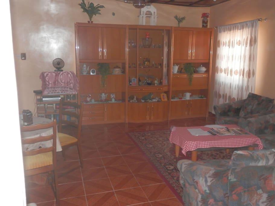 Das erste Wohnzimmer