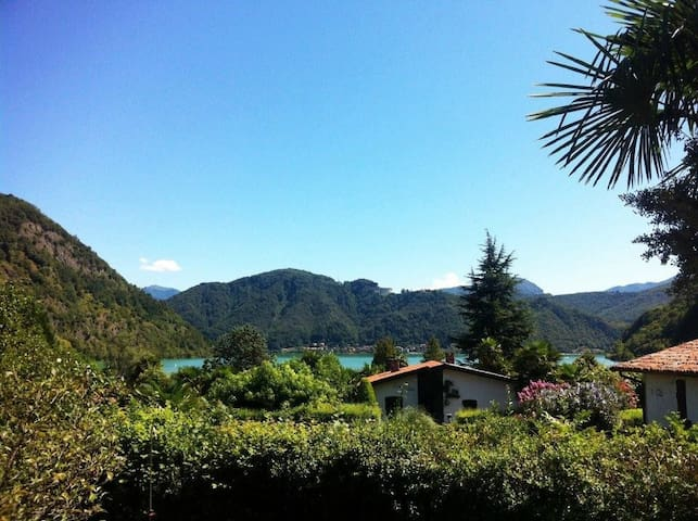 """Casa Lotti"" mit top Seeblick  - Lavena Ponte Tresa - House"