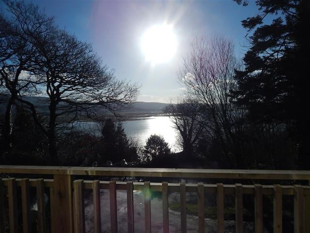 2 Bedroom Bungalow With Balcony & Estuary Views.
