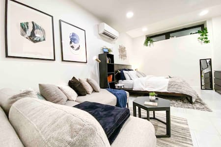 Comfy Sleep-n-Luxe | Gym, Rooftop, Tech Gadgets