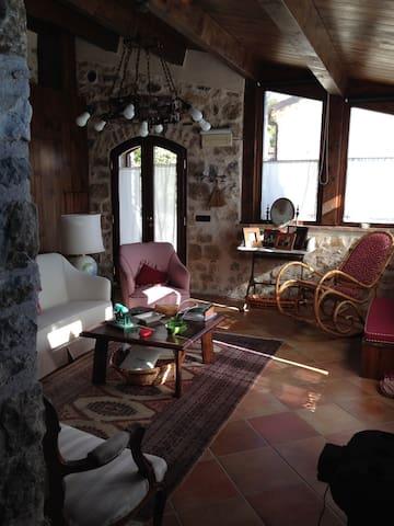 Deliziosa casa indipendente  - Scontrone - Casa