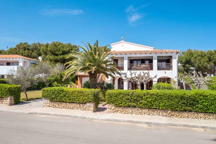 Large family villa with private pool. Sleeps 12.