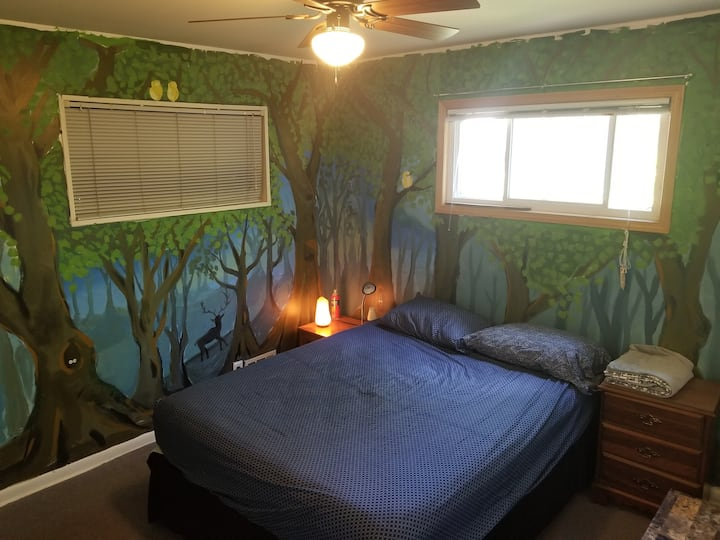 Chill private room in 420 house