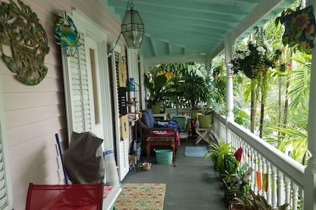 Paradise Getaway - Key West - Appartement