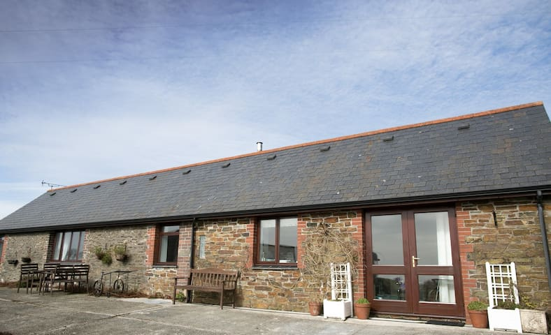 A Pigsty with fabulous sea view - Torpoint - Casa