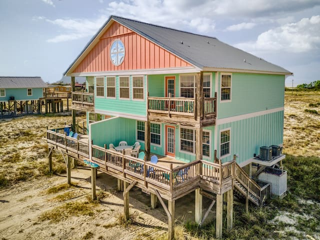 Colorful Beach House on the Gulf: Seagull East