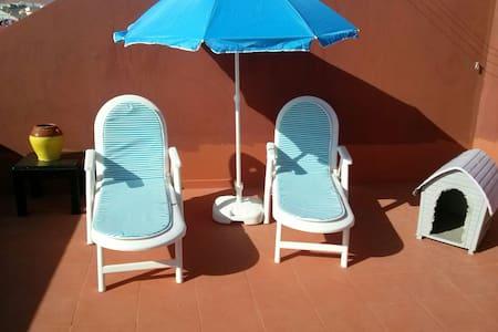 Apto. 2hab. aeropuerto Tenerife Sur - San Isidro - Apartamento