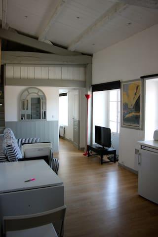 """Appartement de charme """"L'Arnerault"""" - Saint-Martin-de-Ré - Apartment"""