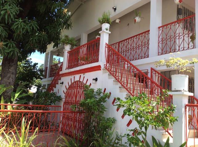 Guest House Eden Villa - Jacmel - Bed & Breakfast