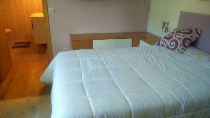 Habitación con cama doble en Pontevedra - Pontevedra