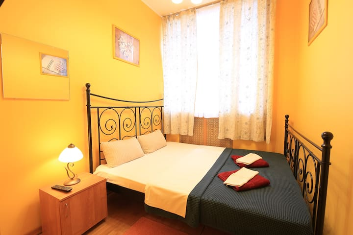 Double room with a large bed STANDARD