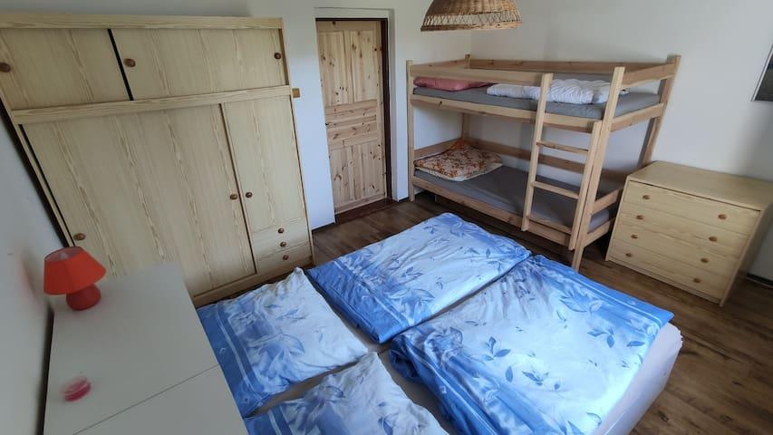 bedroom downstairs - 4 beds