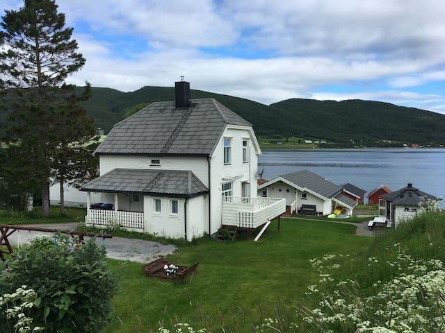 Visit Leif at Senja - Upstairs