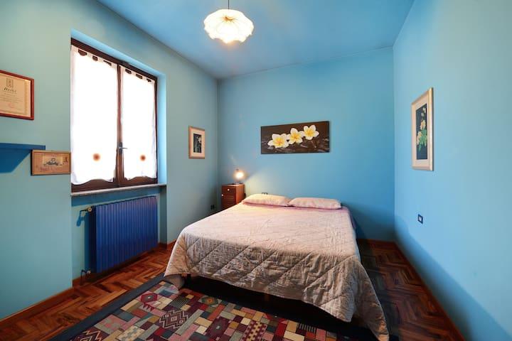 camera privata (2 p.) in villa - Cerro Maggiore - House