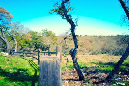 Hill Country Hideout - Fredericksburg