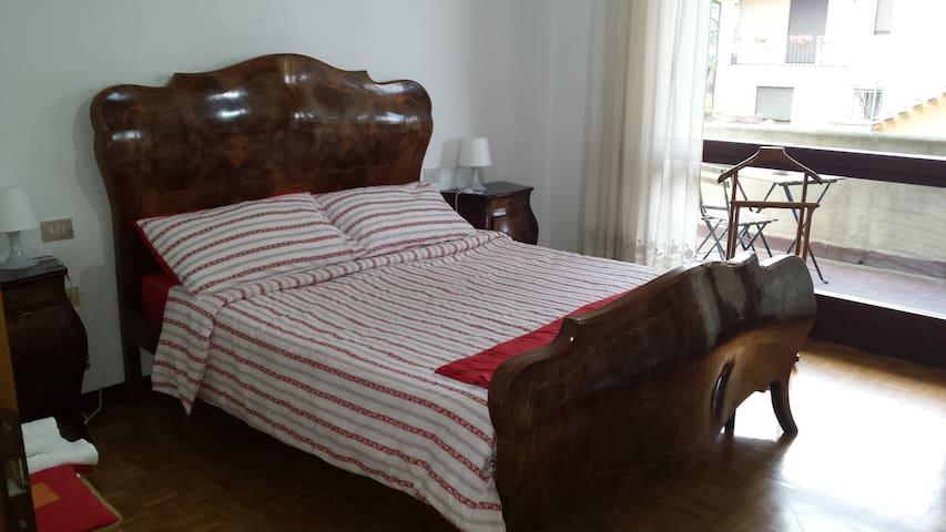 B&B OPS accogliente e famigliare - Grandate - Bed & Breakfast