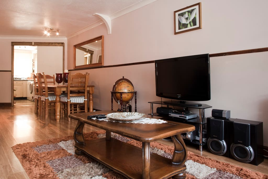 Private double room with TV + WiFi