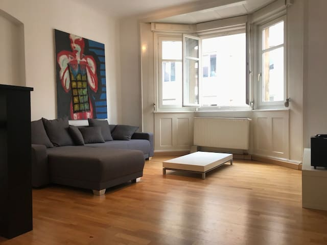 Helles Privatappartment in Stuttgart West