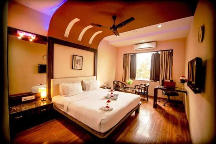 Deluxe AC Room @Hotel Sheetal International,Raipur