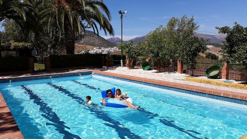 El Masegal, WIFI, tenis, BBQ, Pool. - Carcabuey