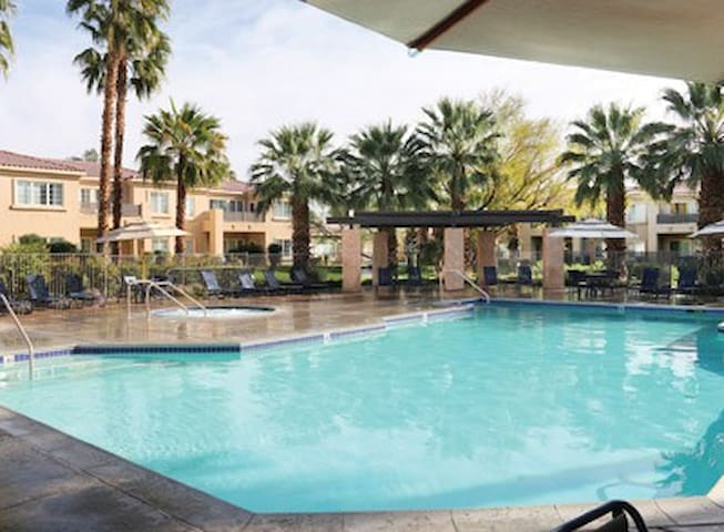 COACHELLA FESTIVAL!  STUDIO SUITE CATHEDRAL CITY! - Cathedral City - 公寓