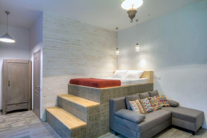 Design studio apartment. 24v Mikhailovska