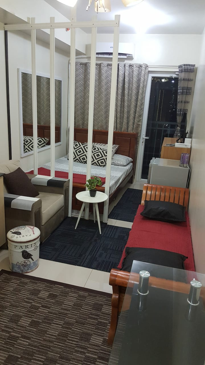 SMDC Condo near MOA and PICC with Free Wifi