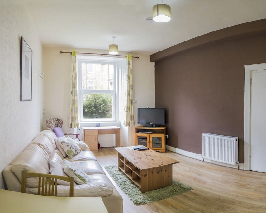 Cosy Flat opposite to Holyrood Park