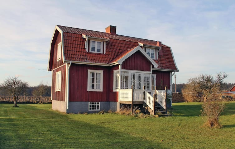 Holiday cottage with 2 bedrooms on 100m² in Tving