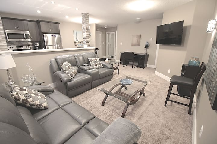 New 2 Bedroom Close to Downtown and University