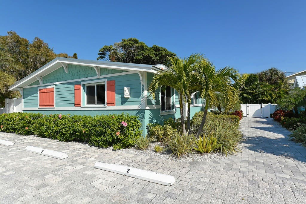 singles in holmes beach Looking for an apartment / house for rent in holmes beach, fl check out rentdigscom we have a large number of rental properties, including pet.