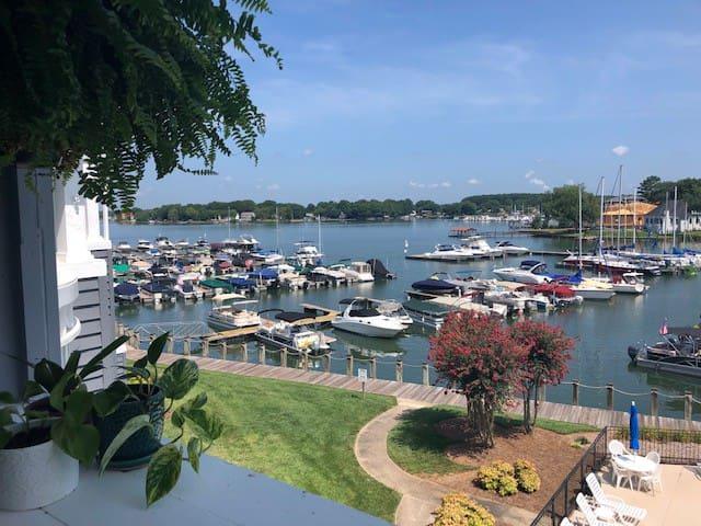 Lake Norman Waterfront 2Bed/2Bath Condo